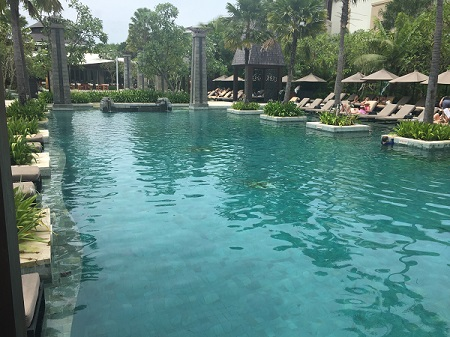 bali-pool-tiles-at-sofitel-hotel (11)